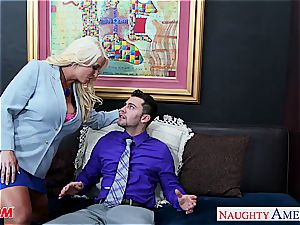 blondie mommy Alura Jenson gets huge breasts humped