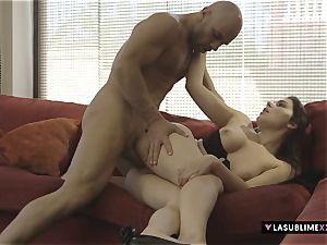 LASUBLIMEXXX Valentina Nappi satiates a nasty man