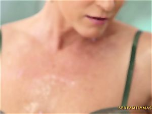 India Summers gets her cooter drilled