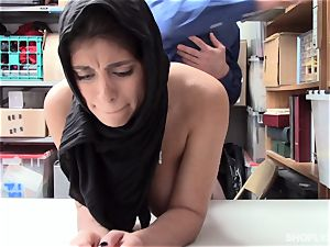Ella Knox gets caught shoplifting and pays her debt with her jaws and snatch