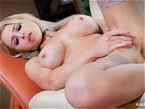 slim and hard ripped Alix Lynx idolizes her own cootchie