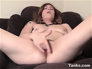 convulses ultra-cutie Teal loves Her nub