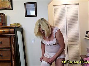 auntie Paris Gets Help