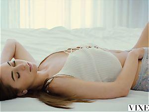 VIXEN Riley Reid and Kendra Sunderland have best all girl intercourse