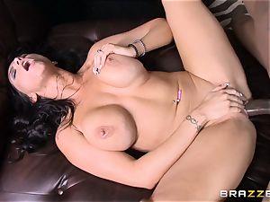 Romi Rain romps her super-hot ebony trainer in front of her guy