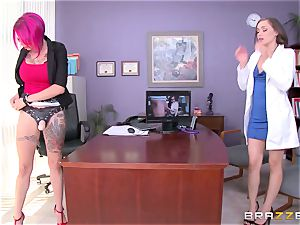 lezzie porn with Dr. Anna Bell Peaks and young nurse Tiffany starlet