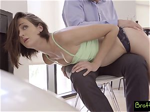 kissing cousins Get Both Their fuckboxes Creampied