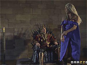 Daenerys Targaryen gets plowed by Jon Snow on the metal Throne