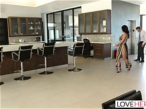 LoveHerFeet - Sneaky hotwife foot intercourse With The Realtor