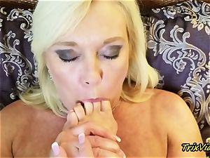 cougar masturbation and Toe blowing orgasms with Ms Paris