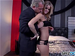 Jessa Rhodes tastey tight cooch is nailed by a giant salami