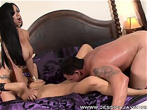 brunette threeway Jessica Jaymes and beans Jade