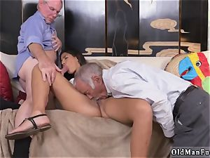 2 elderly and platinum-blonde girl pound first time Going South Of The Border