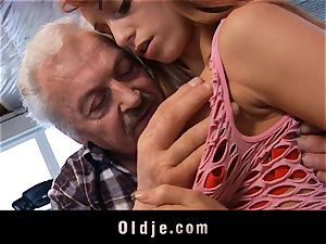 Oldman Gustavo blessed to penetrate spectacular Erica Fontes